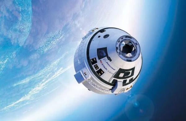 """""""星际飞船""""明年或飞跃新高度!马斯克:SpaceX正打造""""超级重型""""助推器原型"""