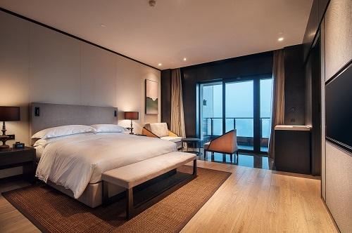 创收新招!伦敦兴起酒店客房办公热潮 办公桌、电视、音响等一应俱全