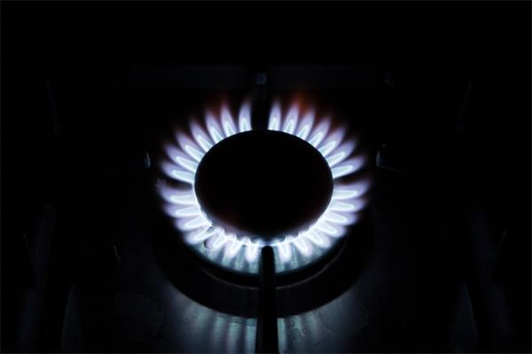 居民家中自来水可燃?官方通报:系地下天然气混入,将完善供水流程