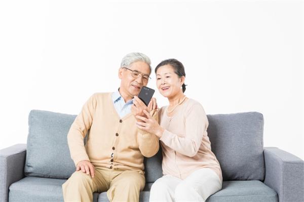 老年人健康码实际使用现状:有智能手机也用不方便,便利性需进一步增强