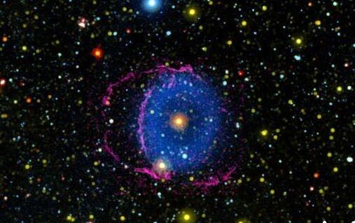16年之谜!科学家揭开蓝色星云神秘面纱:一颗类太阳恒星吞噬较小伴星
