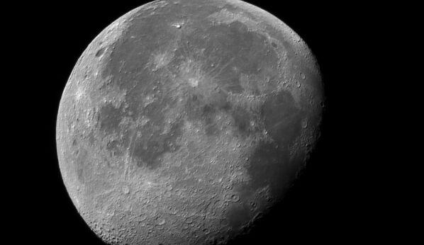 """骄傲!月球亮相的""""织物版""""国旗不简单:不怕月球正负150摄氏度的温差"""