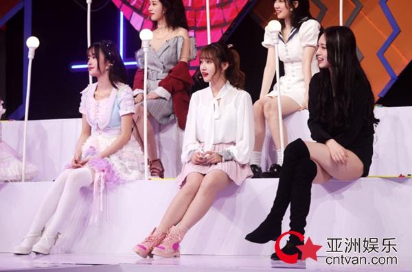 SNH48《梦想演播厅》次世代火力全开 费沁源古风舞首秀元气十足