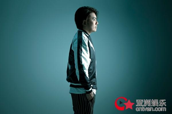 阿杜单曲《门后》全新上线 金牌班底打造青春物语