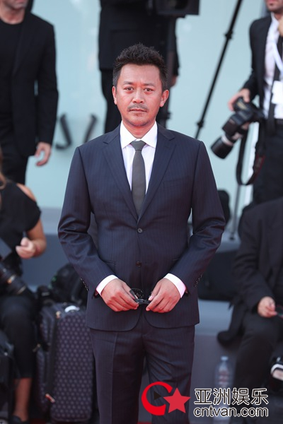 《未择之路》亮相75届威尼斯国际电影节 受邀展映广受好评