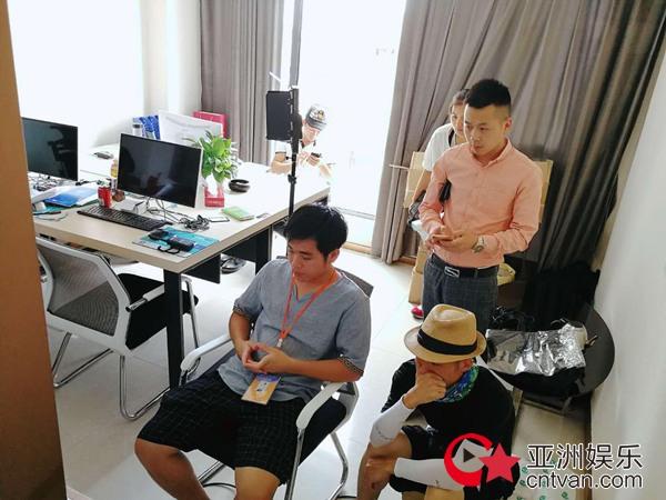 著名导演吴叶彬执导、著名童星刘嘉艺主演的电影《只对你钟情》杀青