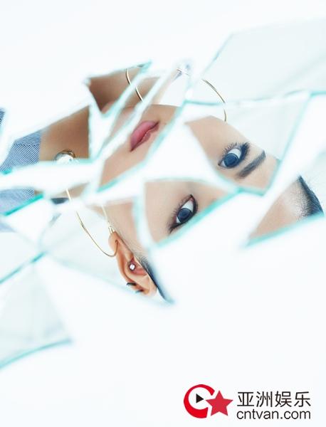 何洁全新单曲《微凉的风》今日治愈上线