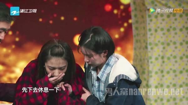 徐璐近日因为在《我就是演员》表演现场呕吐而上了热搜,原来学舞蹈