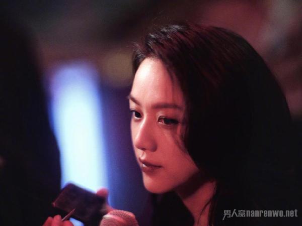 汤唯首晒韩国老公和女儿合影 一家子的满屏爱