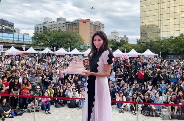 林志玲获封台湾第一慈善名模 低调捐款一千万!