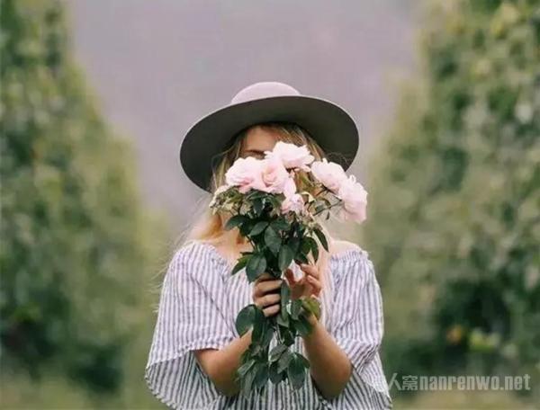 一篇看了心暖暖的心情美文 四季变换唯你是你