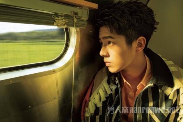 刘昊然不收礼物 温柔地表达歉意 暖心体贴 为粉丝着想