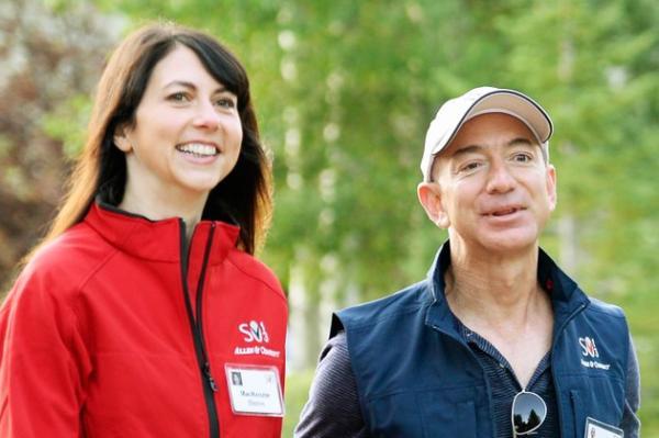 25年婚姻破裂 亚马逊CEO贝佐斯宣布与妻子离婚