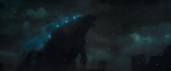 """《哥斯拉2:怪兽之王》曝""""王者将至""""版预告 群兽逆天崛起酣战一触即发"""