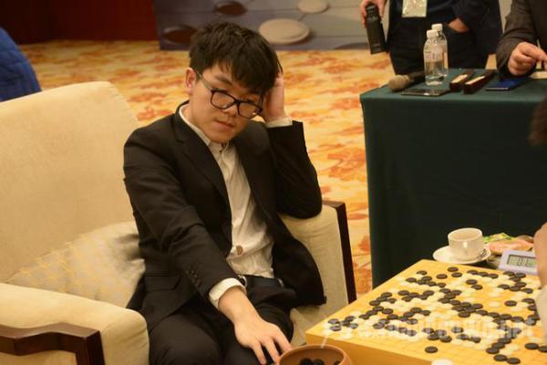 围棋职业选手柯洁被清华工商免试录取 他靠