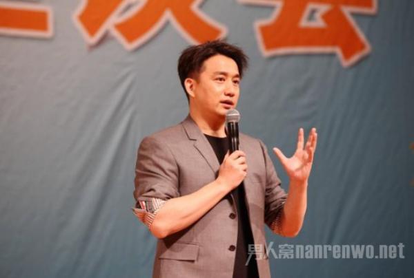 黄磊已从北电辞职 黄小厨变黄校长?都在人生规划中!