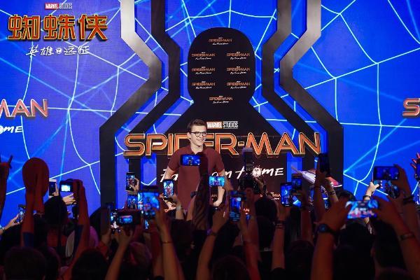 荷兰弟巴厘岛开启《蜘蛛侠:英雄远征》亚洲宣传