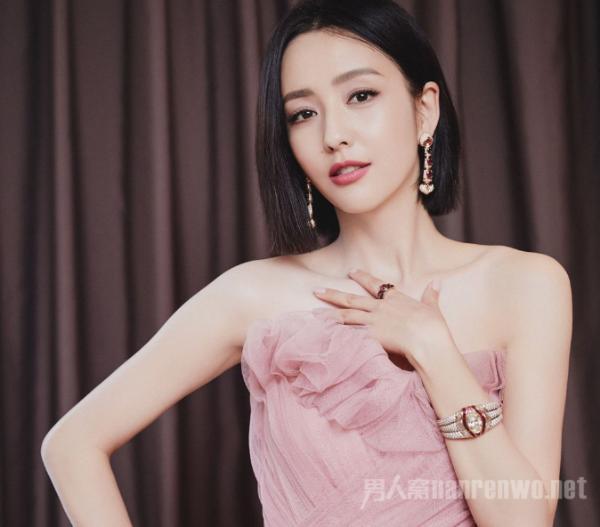 佟丽娅豆沙粉纱裙亮相!这么美的老婆陈思诚居然出轨?