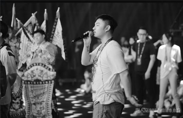 音乐总监刘洲被捕 他是谁?中国有嘻哈音乐总监 gai的老板!
