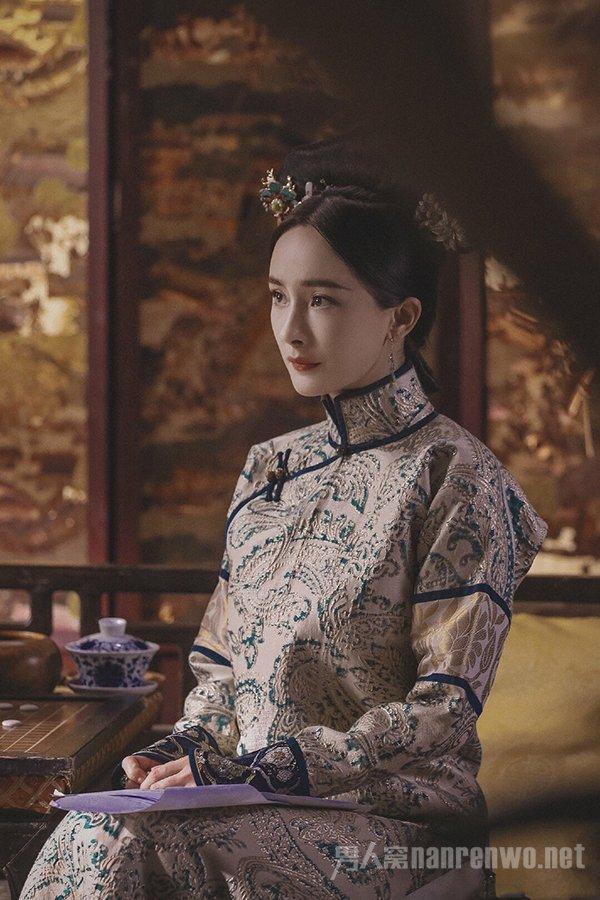 杨幂再演清宫戏 被批演技无长进 网友:反派晴川的感觉