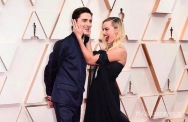奥斯卡红毯 群星璀璨夺目 《好莱坞往事》再获奖