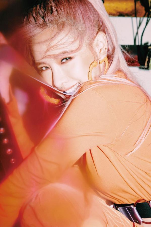 """安心亚最新专辑同名单曲《爱得起》MV曝光 演绎超高难度舞蹈被称赞""""台版泫雅"""""""