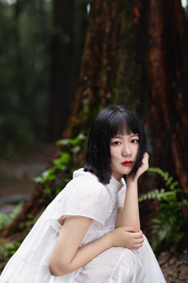 谢春花第五张个人创作专辑《一棵》上线 用音乐传递生活的意趣无限