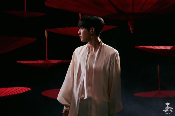 张艺兴新专《莲》销量破五千万   M-pop重新定义中国风获认可