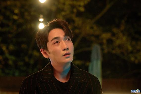 朱一龙《亲爱的自己》圆满收官 陈一鸣角色赢得观众好评