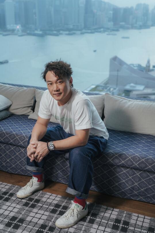 陈奕迅全新单曲《致明日的舞》 送上温暖拥抱