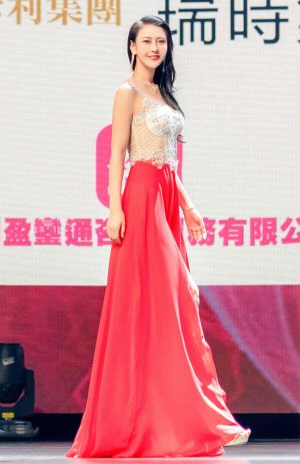 名模吴丹现身澳门 荣获2020亚洲小姐全球冠军
