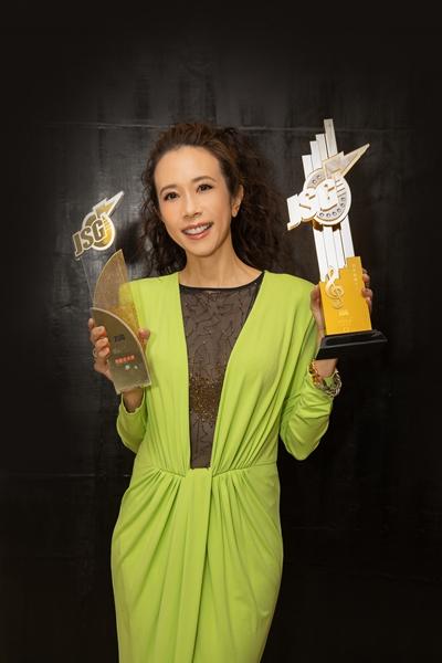 Karen莫文蔚以《呼吸有害》横扫香港四大颁奖典礼