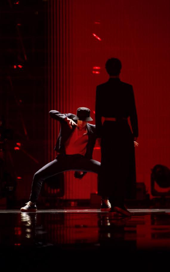 """LAY 《舞蹈风暴》结束于《夸父逐日》 被誉为""""艺术"""""""