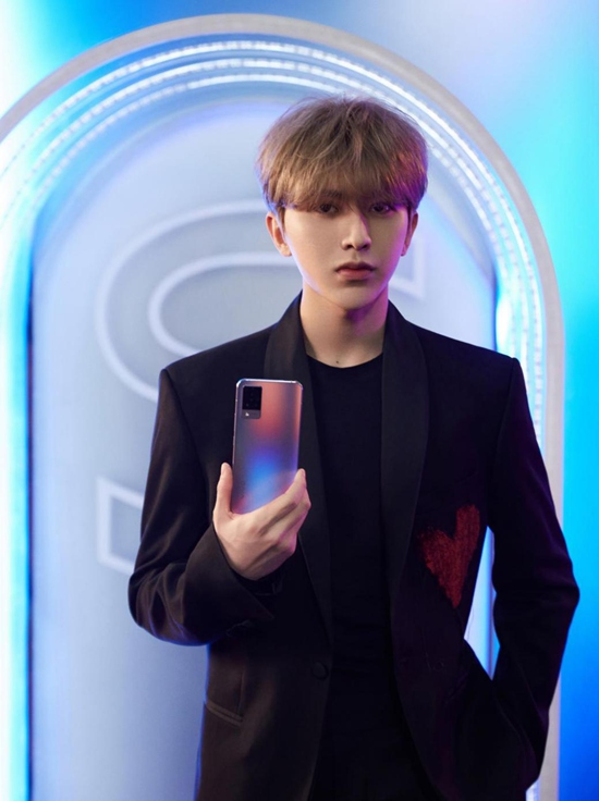 蔡徐坤助力vivo S9,开启「不止一面」的升级体验