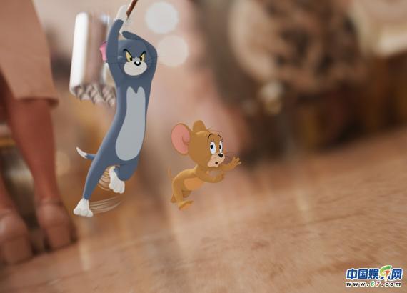 """《猫和老鼠》曝""""百变大咖""""电影片段 汤姆模仿杰瑞可爱到犯规"""