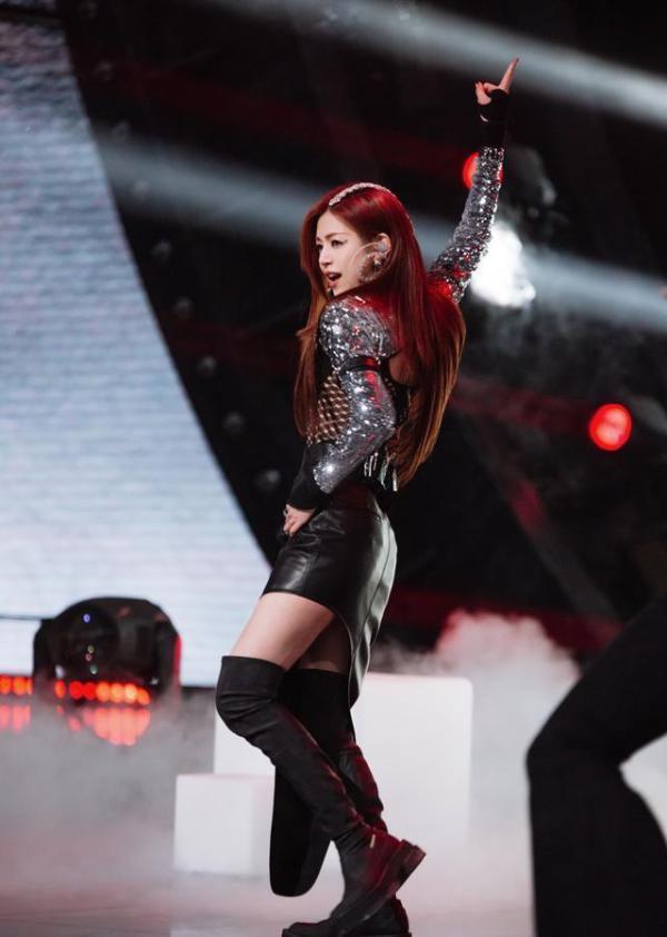 陈妍希国风大片新鲜出炉 三公舞蹈能力提升变身SHERO