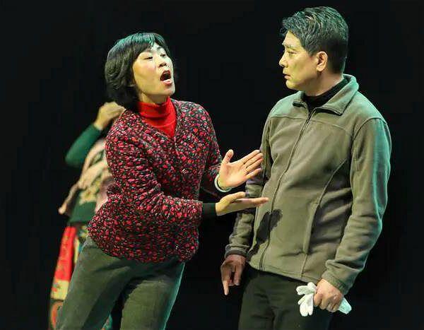 """《看见自己 看见他人》中国第一部""""九人舞台剧""""上演"""
