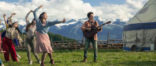 """《歌声的翅膀》八首歌曲打造视听盛宴 探索""""让音乐参与叙事""""全新创作模式"""