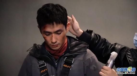 """朱一龙主演电影《无限深度》正式杀青 """"上天入地""""诚意满满"""