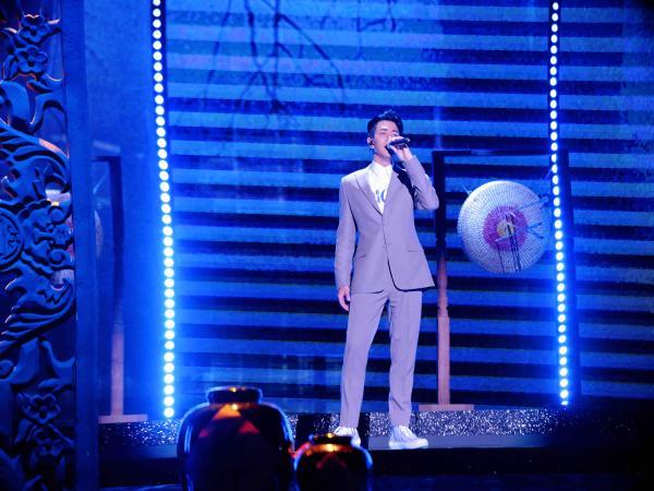 刘恺威献唱《将军引》致敬英雄