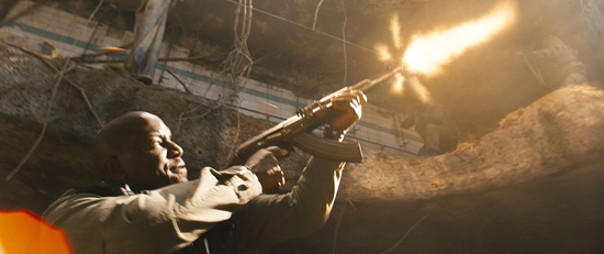 《速度与激情9》曝光正式片段 范·迪塞尔、约翰·塞纳硬核肉搏