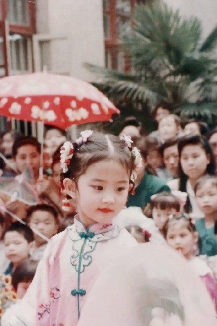 刘亦菲童年表演照曝光 网友:果然是天仙本仙!