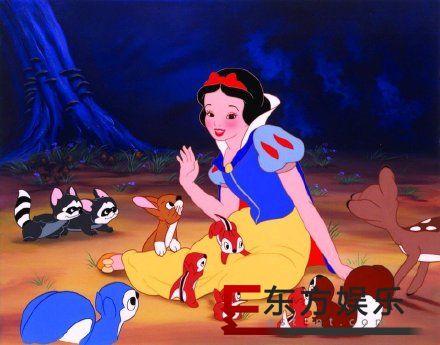 真人电影版白雪公主演员 由瑞秋泽格勒饰演