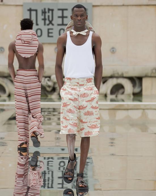 巴黎时装周热点 男裤专家九牧王惊艳来袭,开启首场裤秀
