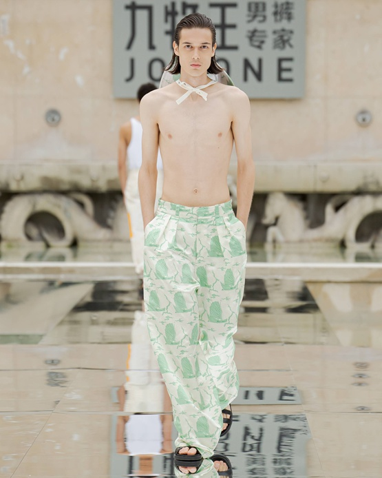 九牧王百年巴黎时装周首场裤秀,让世界看见中国品牌的力量