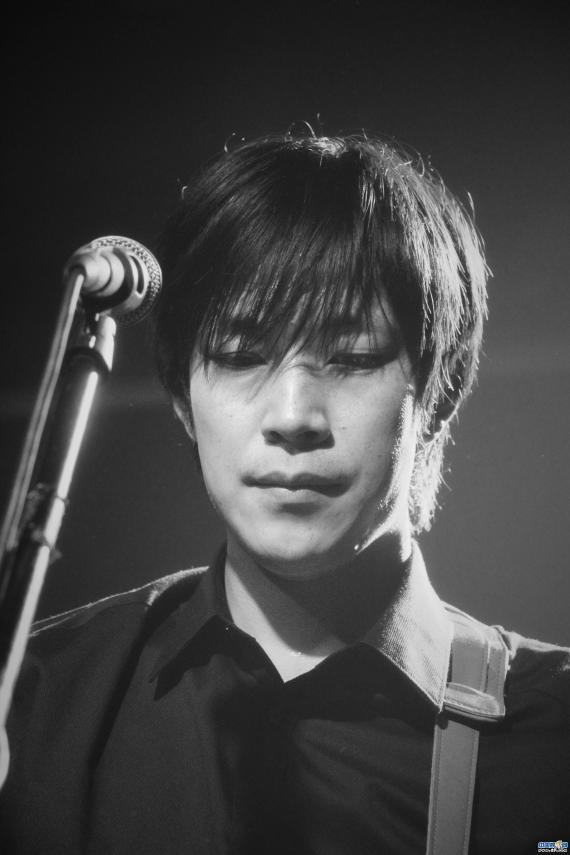 电影《我没谈完的那场恋爱》曝插曲MV 我曾陪你倾盆大雨