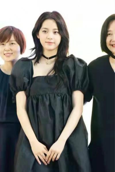 欧阳娜娜首张音乐专辑《NANA 藏》正式上线  跨界艺术展在上海开幕