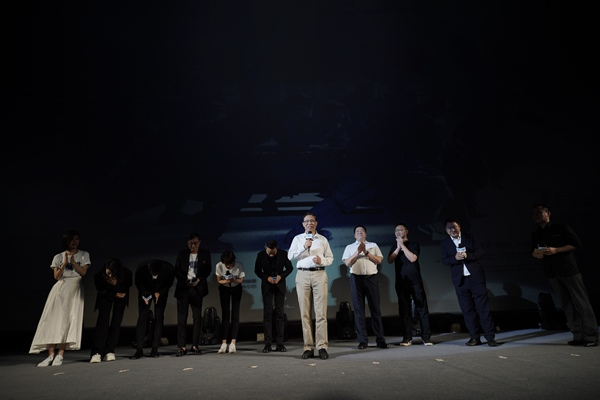 《中国医生》中山纪念堂首映感动千人 钟南山:电影展现了中国力量