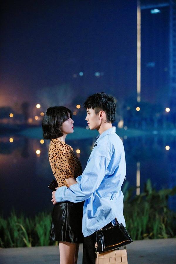 李溪芮、何与领衔主演的影视剧《我的邻居长不大》OST原声大碟正式上线