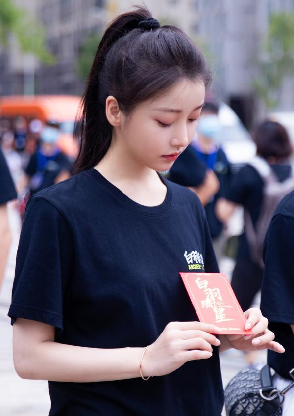 姜贞羽主演新剧开机 开启逐梦少女成长爱恋